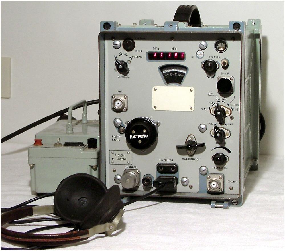 Продам армейский приёмник R323 M 20-110мгц ам чм(узк широкая средняя) тлг ssb. цифровая индикация частоты собран на...